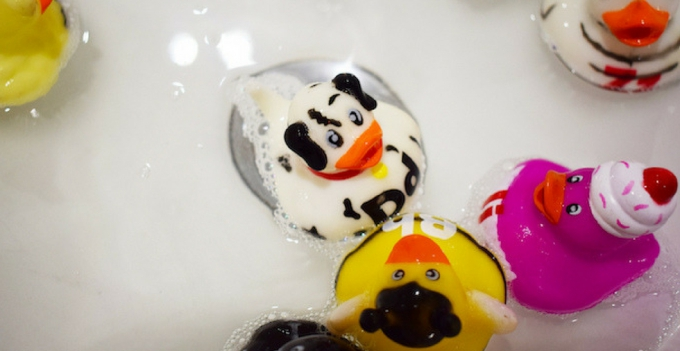 Bath water with ducks in