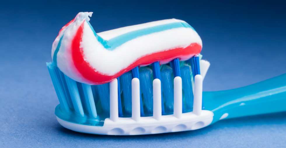 21 unexpected uses for a tube of toothpaste