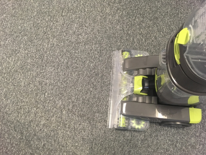 The Vax Dual Power Pro Advance Carpet Cleaner Review