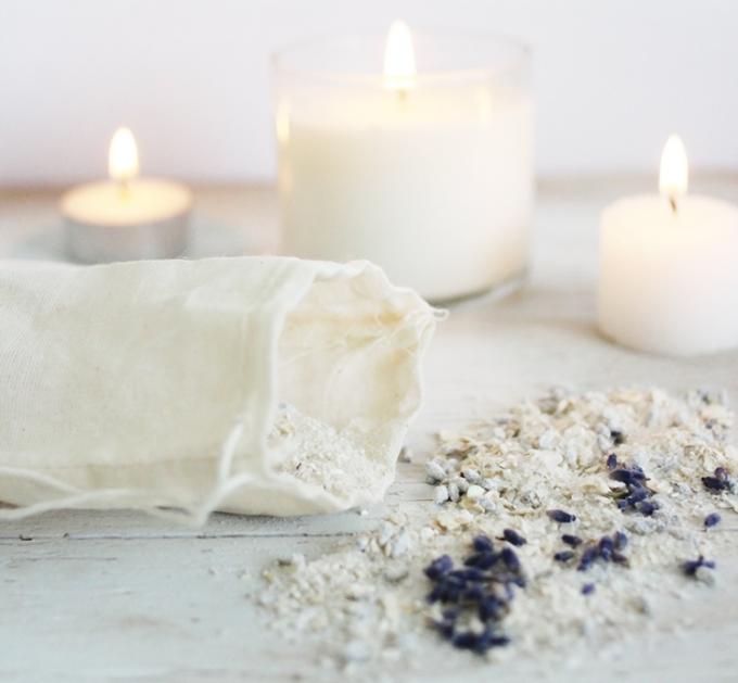 Oatmeal and lavendar bath