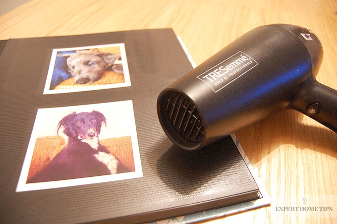 Unstick-your-photographs-with-a-hair-dryer