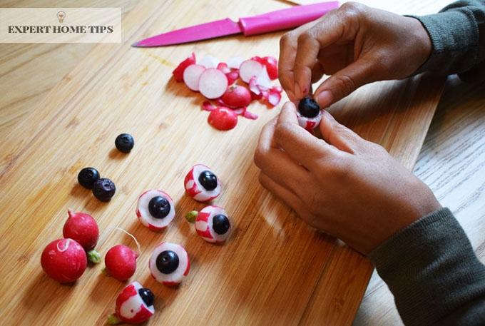 Chopping board with raddish eyeballs