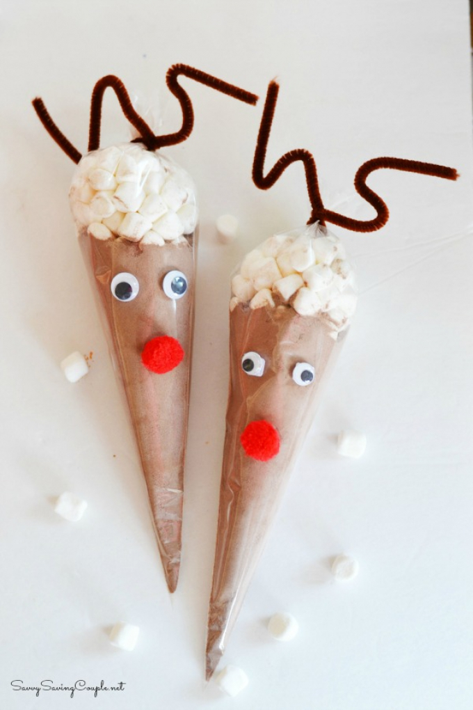 DIY Christmas Gifts Reindeer Cones