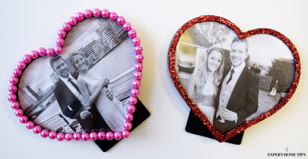 DIY Valentine's Day gift: SO in love heart photo frames