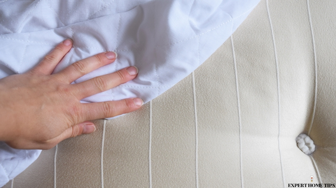 HOW TO CLEAN PEE STAINS ON MATTRESS