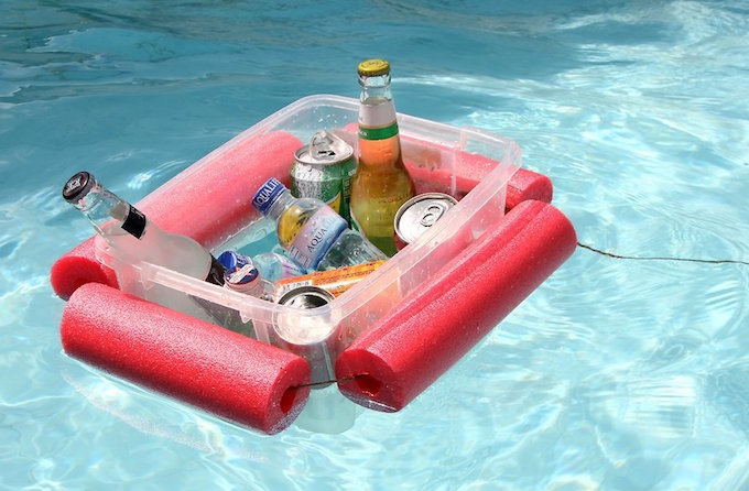 HOW TO MAKE A POOL NOODLE DRINK FLOAT