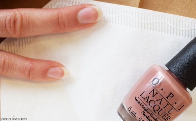 USE COFFEE FILTERS TO REMOVE NAIL VARNISH