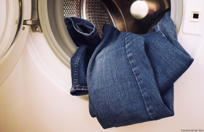 HOW TO PREVENT JEANS FROM FADING IN WASH