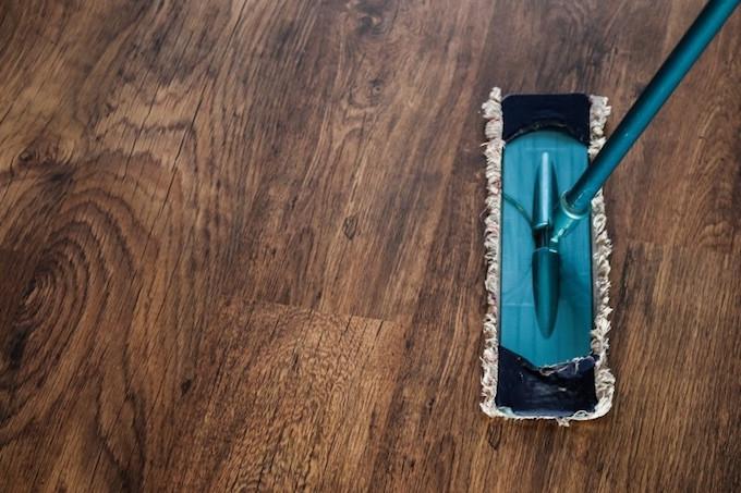 HOW TO CLEAN A LINOLEUM FLOOR