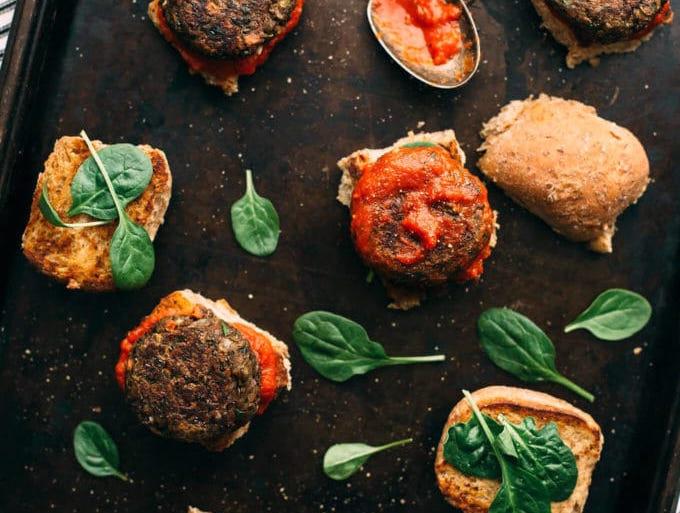 lentil and mushroom meat free burgers