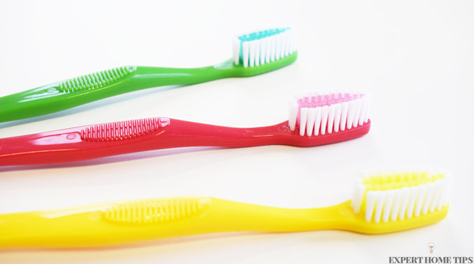 coloured toothbrushes