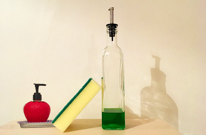 kitchen sponge washing up liquid