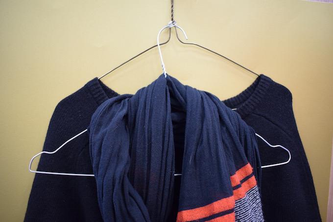can pull coat hanger