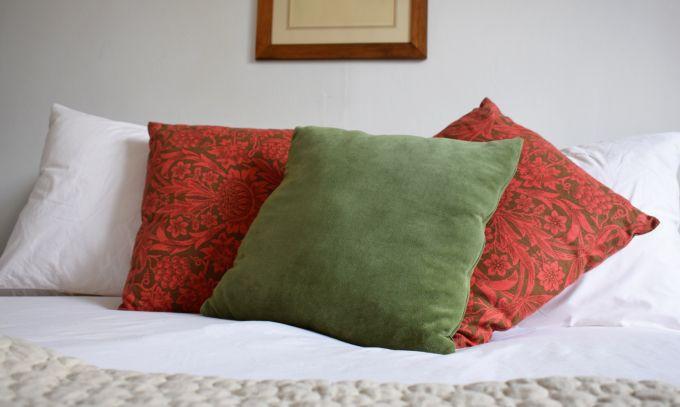 throw pillows vintage