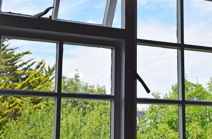 clean single paned windows
