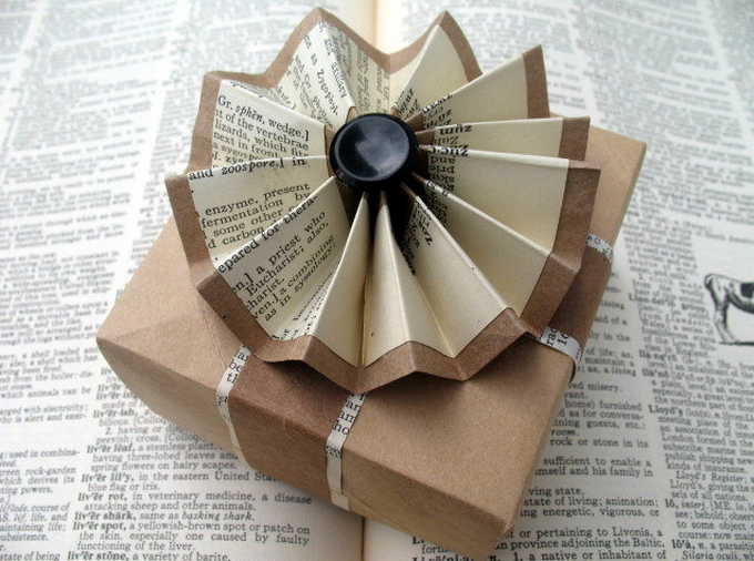 37 New Ways To Use Old Magazines And Newspapers Expert Home Tips