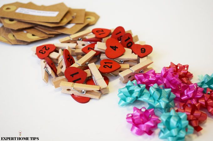 pegs gift cards bows